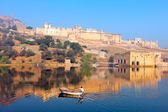 Maota Lake and Amber Fort — Stock Photo