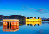 The palace Jal Mahal (Water Palace) at sunset. Jaipur, Rajasthan, India, Asia. Panorama. — Stock Photo
