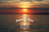 现实夏季矢量背景 — 图库矢量图片