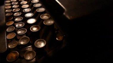 Old typewriter — Stock Video