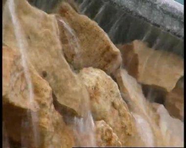 Voda na kameny 1 — Stock video