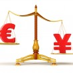 Yen outweighs Euro — Stock Photo