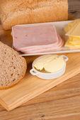 Preparing a whole wheat sandwich — Stock Photo