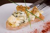 Blue cheese tapa — Stock Photo