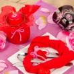 Arrangement for a Valentines dinner — Stock Photo