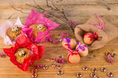 Eggs and mona de Pascua — Stockfoto