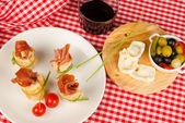 Ham appetizer — Stock Photo