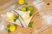 домашний лимонный сорбет — Стоковое фото