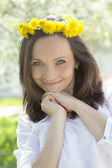 Sensual lovely woman with dandelion wreath — Foto Stock