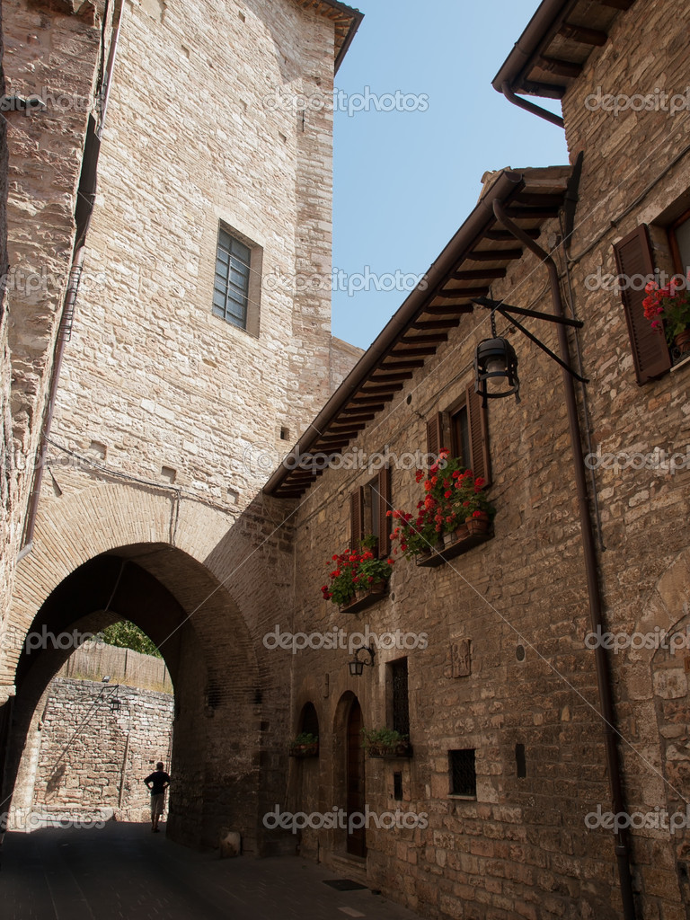 The narrow streets in Assisi — Stock Photo #13667707