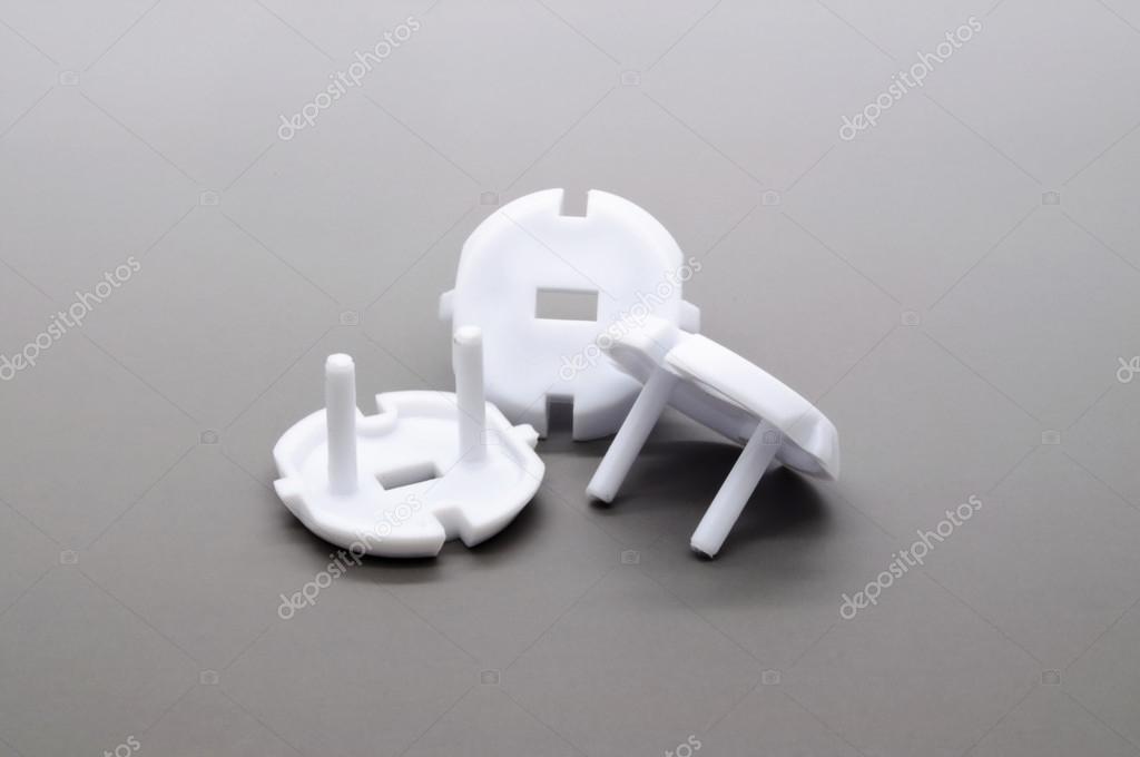 prise de courant lectrique un dispositif de protection enfant photographie ruskpp 23583547. Black Bedroom Furniture Sets. Home Design Ideas