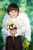 портрет красивый мальчик с крыльями ангела — Стоковое фото