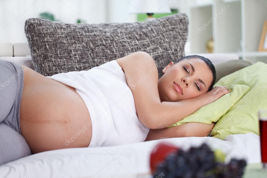 Почему беременным хочется спать в третьем триместре 486