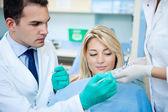 Zahnärztliche behandlung — Stockfoto