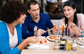 Teenagers friends on breakfast — Stock Photo