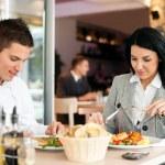 Бизнес пара на обед — Стоковое фото #28285647