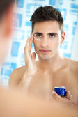 Male beauty care — Stock Photo