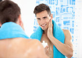 Handsome man after shave — Stock Photo