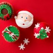 Christmas theme cupcakes in traditional red green colors  — Stock Photo