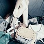 dziewczyna z torba — Zdjęcie stockowe
