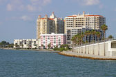 Sarasota, florida, kısmi skyline denizden izlendi — Stok fotoğraf