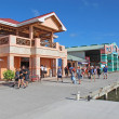 Стоковое фото: Cruise ship passengers shopping in Belize City