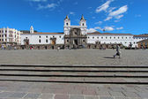Front facade of the church and convent of San Francisco in Quito — Stockfoto