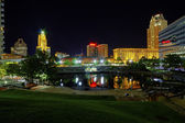 Riverplace Park in Providence, Rhode Island, at night — Stock Photo