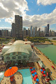 Aerial view of Navy Pier and the Chicago, Illinois skyline — Stock Photo