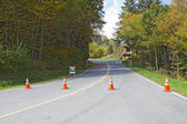Barricades block the road to Clingmans Dome in Smoky Mountains p — Stock Photo