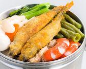 Home stil lunch box köstliche mahlzeit — Stockfoto