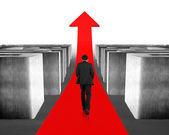 Walking on growing red arrow through 3d maze — Stockfoto