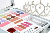Makeup set and diadem — Stock Photo