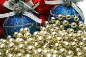 New Year's celebratory ornaments and golden beads — Stockfoto