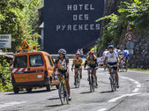 Amateur Cyclists on the Roads of Le Tour de France — Stock Photo