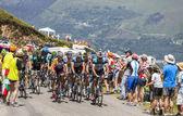 The Peloton in Pyrenees Mountains — Stock Photo