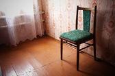 Odasındaki eski mobilya — Stok fotoğraf