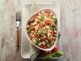 Vegetarian rice salad with tofu and brown rice — Stock Photo