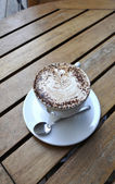 Káva s práškem a čokoládou — Stock fotografie