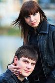 Lyckliga unga par i kärlek — Stockfoto