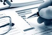 Finanční analýza grafy a diagramy — Stock fotografie