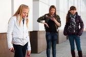 競合で 10 代の学校の女の子 — ストック写真