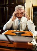 Retro Senior Man writer — Zdjęcie stockowe