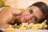 Young woman enjoying in spa salon — Photo