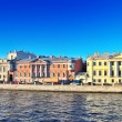 Embankment of the river of Neva in St. Petersburg, Russia — Stock Photo #12390376