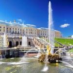 Grand cascade in Pertergof, Saint-Petersburg, Russia. — Stock Photo #12390431