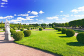Upper Park in Pertergof, Saint-Petersburg city , Russia — Stock Photo