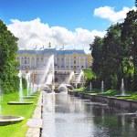 Grand cascade in Pertergof, Saint-Petersburg, Russia. — Stock Photo #12882494