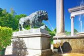 Lion Cascade in Pertergof, Saint-Petersburg. — Stock Photo