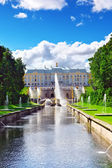Grand cascade in Pertergof, Saint-Petersburg, Russia — Stock Photo